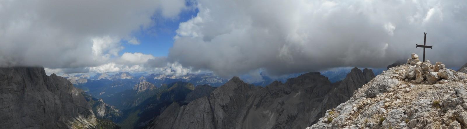 Tour d'horizon S-SE depuis la Cima Ombretta,