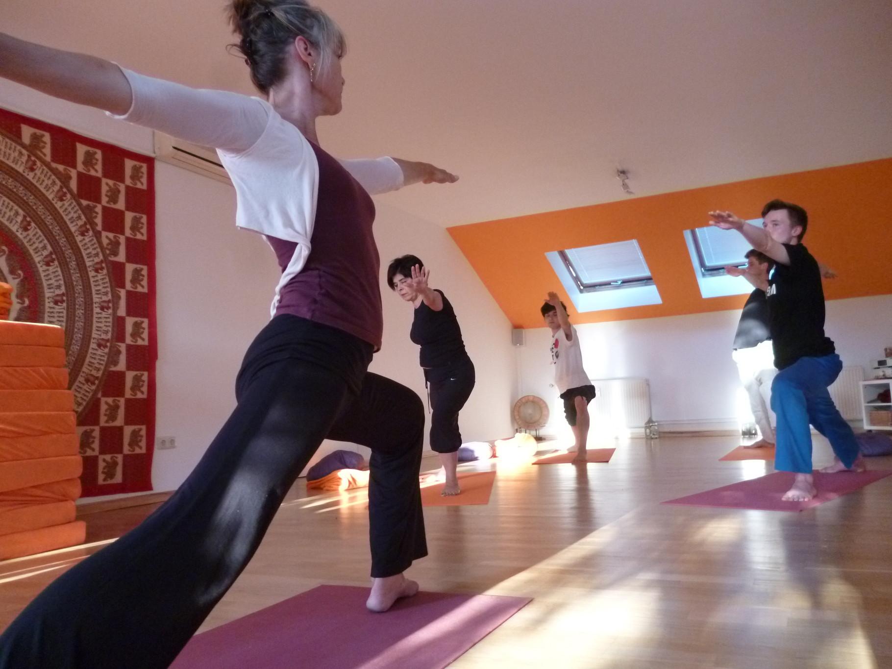 yoga therapie und yoga unterricht atemraum berlin zehlendorf yoga shiatsu und meditation. Black Bedroom Furniture Sets. Home Design Ideas
