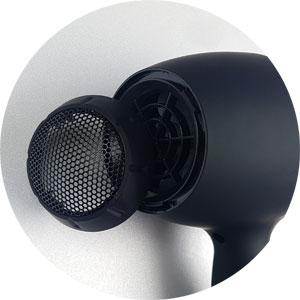 der Luftfilter des Udo Walz by Beurer lässt sich einfach zum Reinigen abnehmen und wieder anbringen