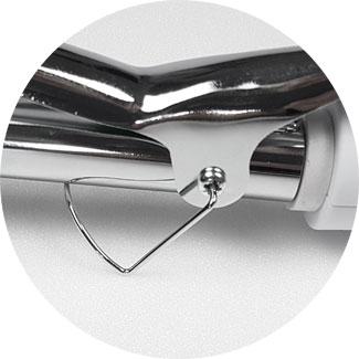 Clatronic Lockenstab günstig: der schwenkbare Standfuß ist beim Stylen unpraktisch.