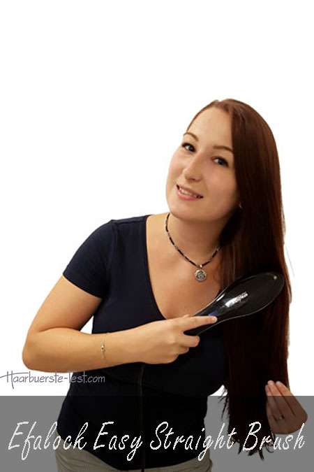 Frau, lange glatte rote Haare mit Efalock Easy Straight Brush, Efalock Easy Straight Brush Test