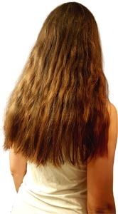 Frau lange wellige Haare