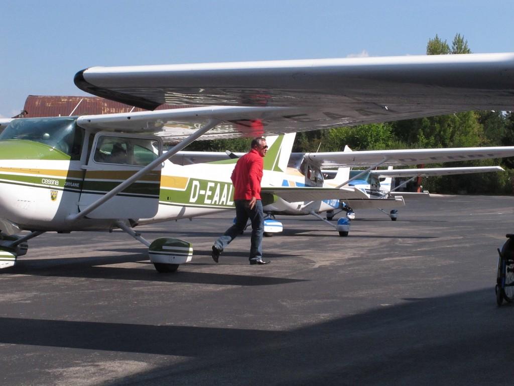 5 Cessna's kurz vor 2 Stunden Dauereinsatz