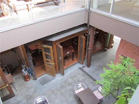 小竹向原スタジオ: オープンカフェも♪