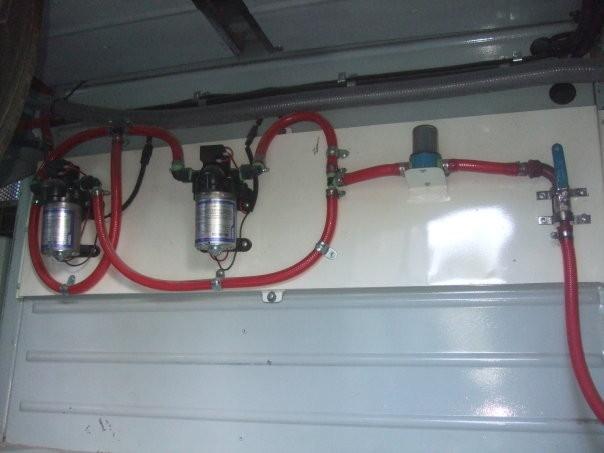 Doble circuito de bombas de agua 12 volts automáticas