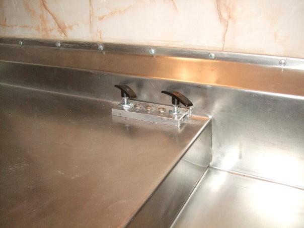Llaves de válvulas para descarga de tanques de aguas grises y negras