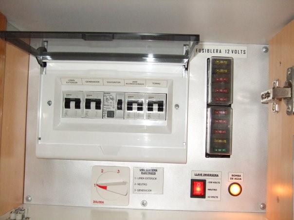 Tablero general de electricidad 220 v - 12v