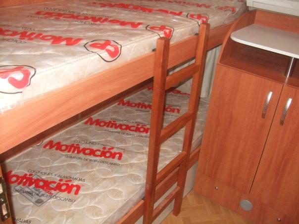 Dormitorio con doble cucheta