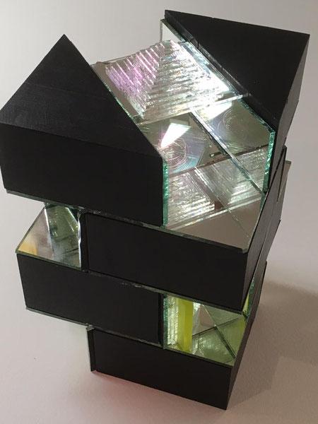 Lichtobjekt 2019, Grundriss 15x15cm, Höhe 22cm, Glas, Holz