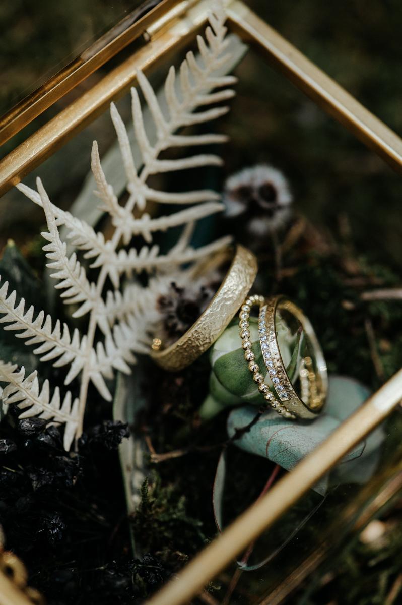 Hochzeitsfotograf schweiz st.gallen thurgau toggenburg zürich lichtenstein ostschweiz Hochzeit Fotograf Berghochzeit Hochzeitsreportage Boho Vintage genuin fotografie Waldhochzeit