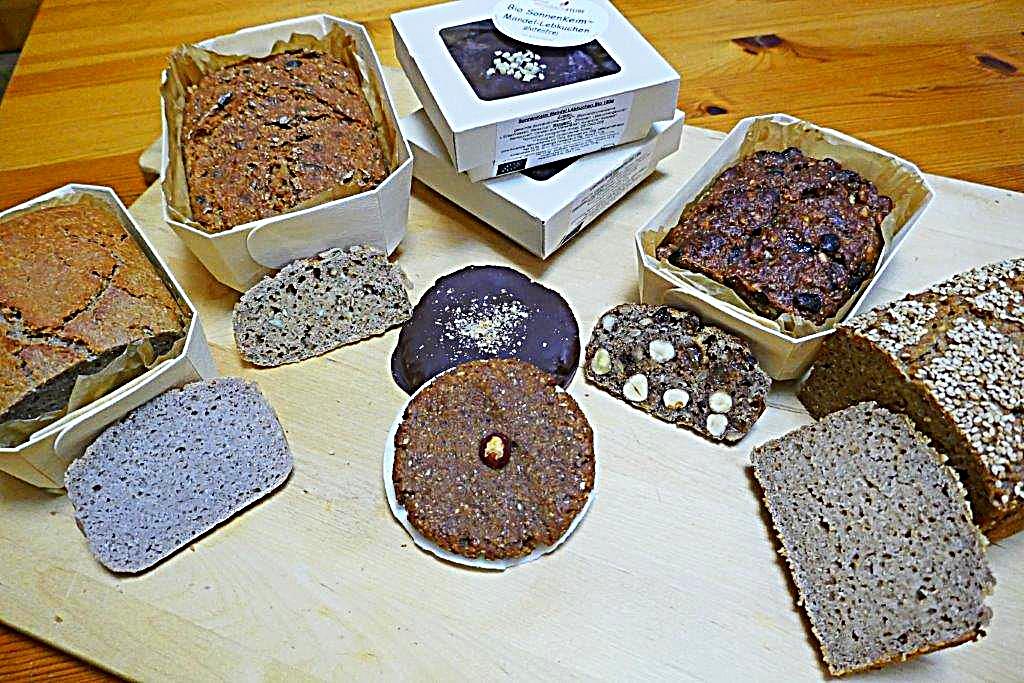 Backwaren Kuchen Brote Grune Base Gaumenschmaus Mit Basischen
