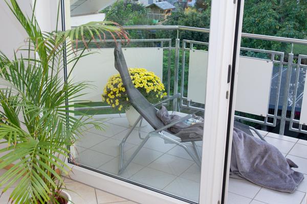 Balkon mit Liegestuhl  | Ferienwohnung Wörner | Pfaffenweiler