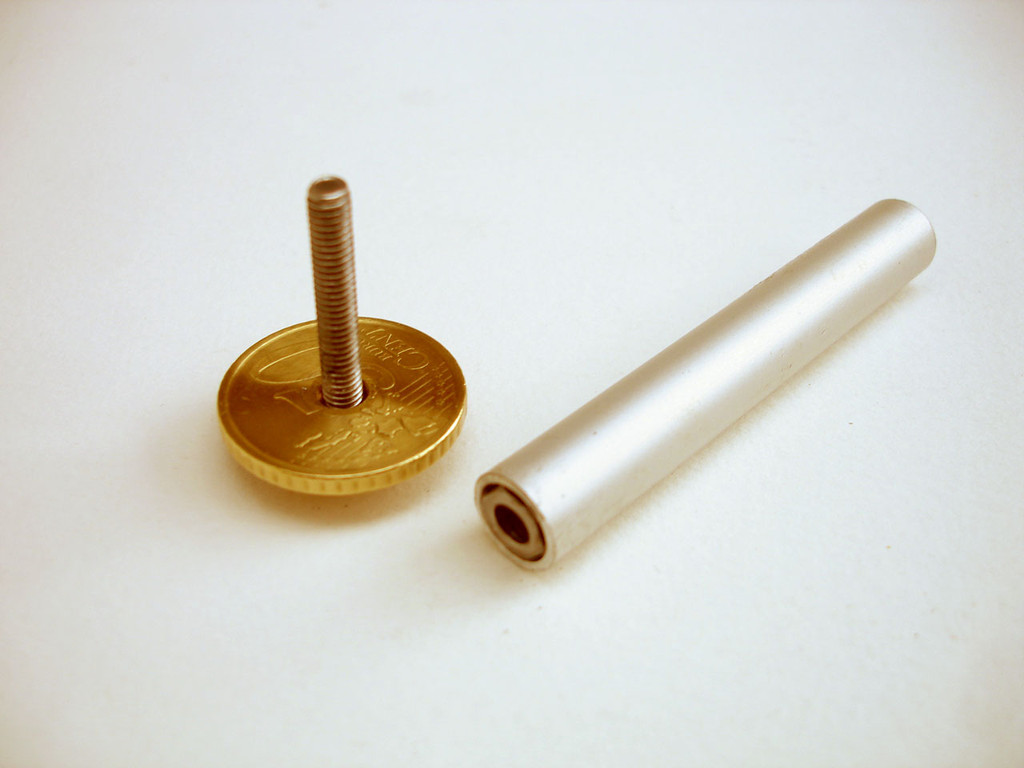 Barrel made with simple tools - 65mm x 10mm aluminium tube. Barrel screw is cap screw M4 x 25 & coin with knurled edge.