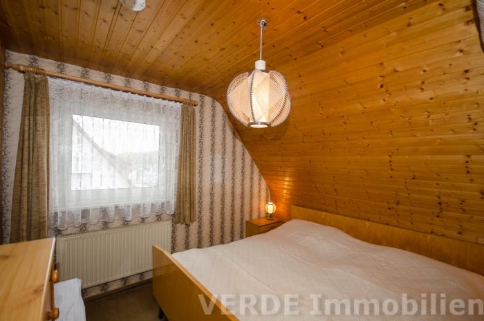 Schlafzimmer mit Ankleide im DG