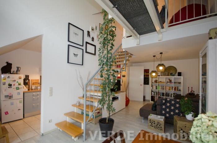 Treppenaufgang zum Schlafzimmer und Bad