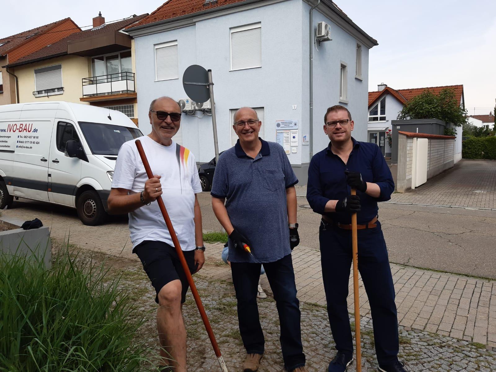 """Eigeninitiative in Oppau – Mini-Version """"saubere Stadt"""" rund ums Bürgerhaus"""
