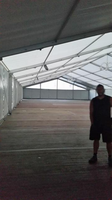 20er Zelt mit Stahlrahmenboden