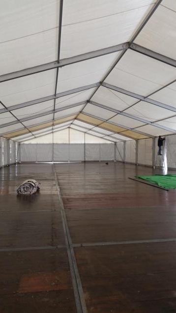 15er Zelt mit Stahlrahmeboden