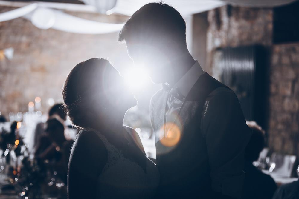 Hochzeitsfoto mit Gegenlicht