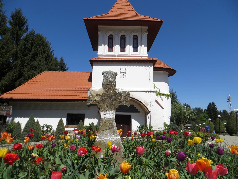 Auf der Klosteranlage Sambata de Sus
