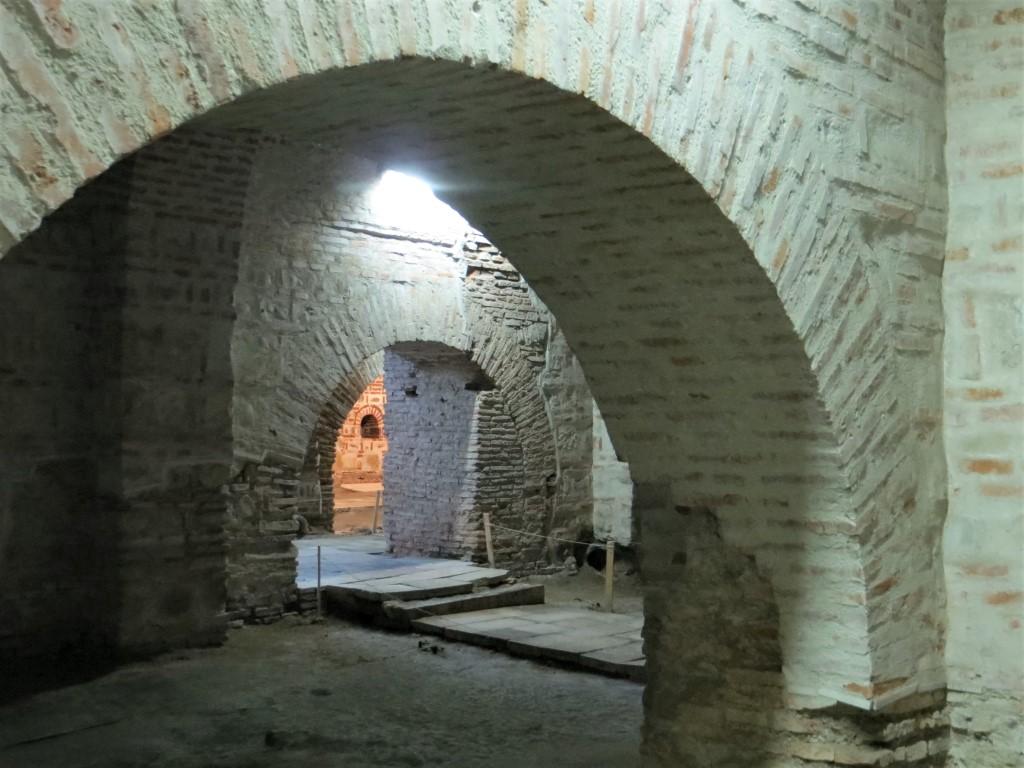 Gewölbe des alten Fürstenhofs