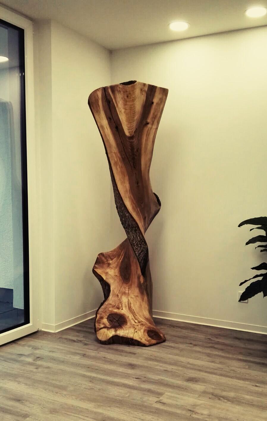Nußbaumskulptur