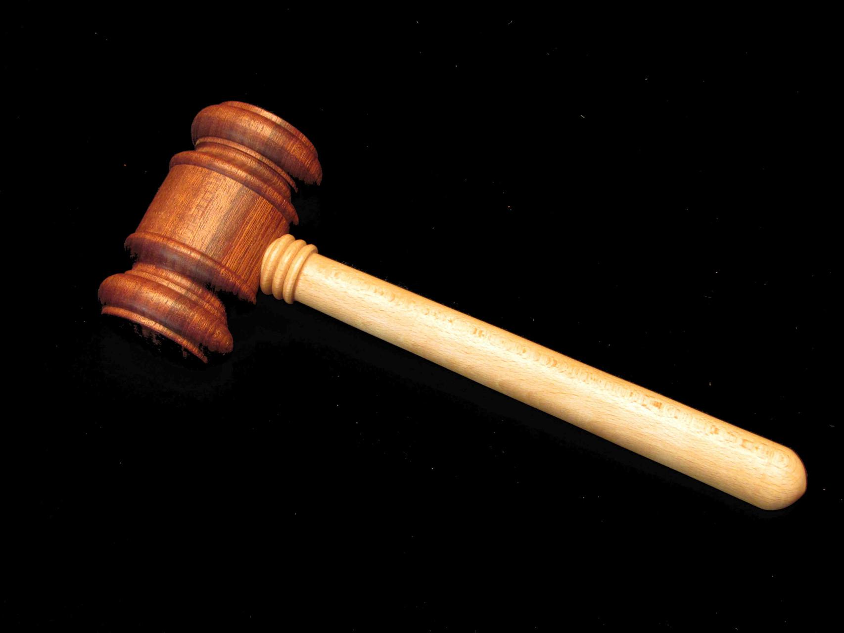 Versteigerungs- oder auch Gerichtshammer