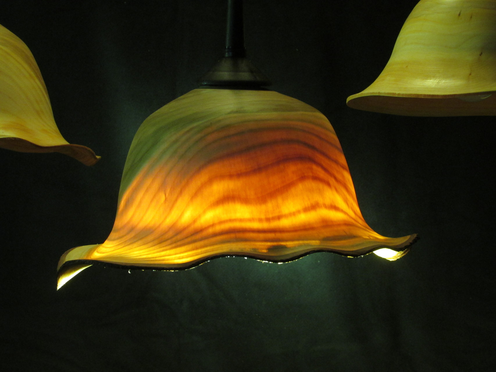 Lampenschirm durchscheinend aus Kirschbaumholz
