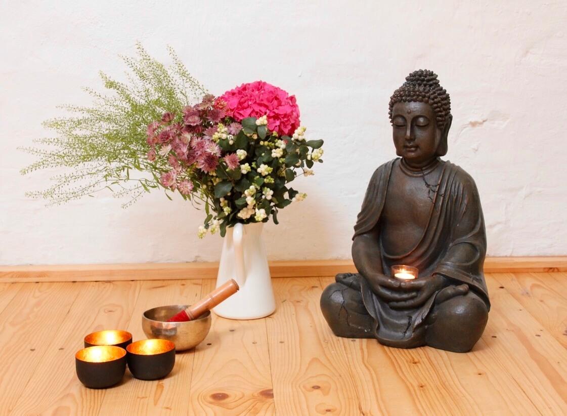 Der Buddha steht für unsere gute Energie.