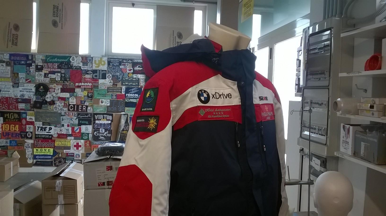 personalizzazione sponsor tuta da sci