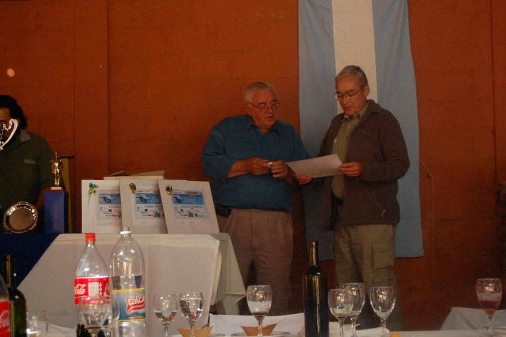 Agradecimiento de nuestro Presidente, Carlos Sanchez al Sr Ricardo Aubone