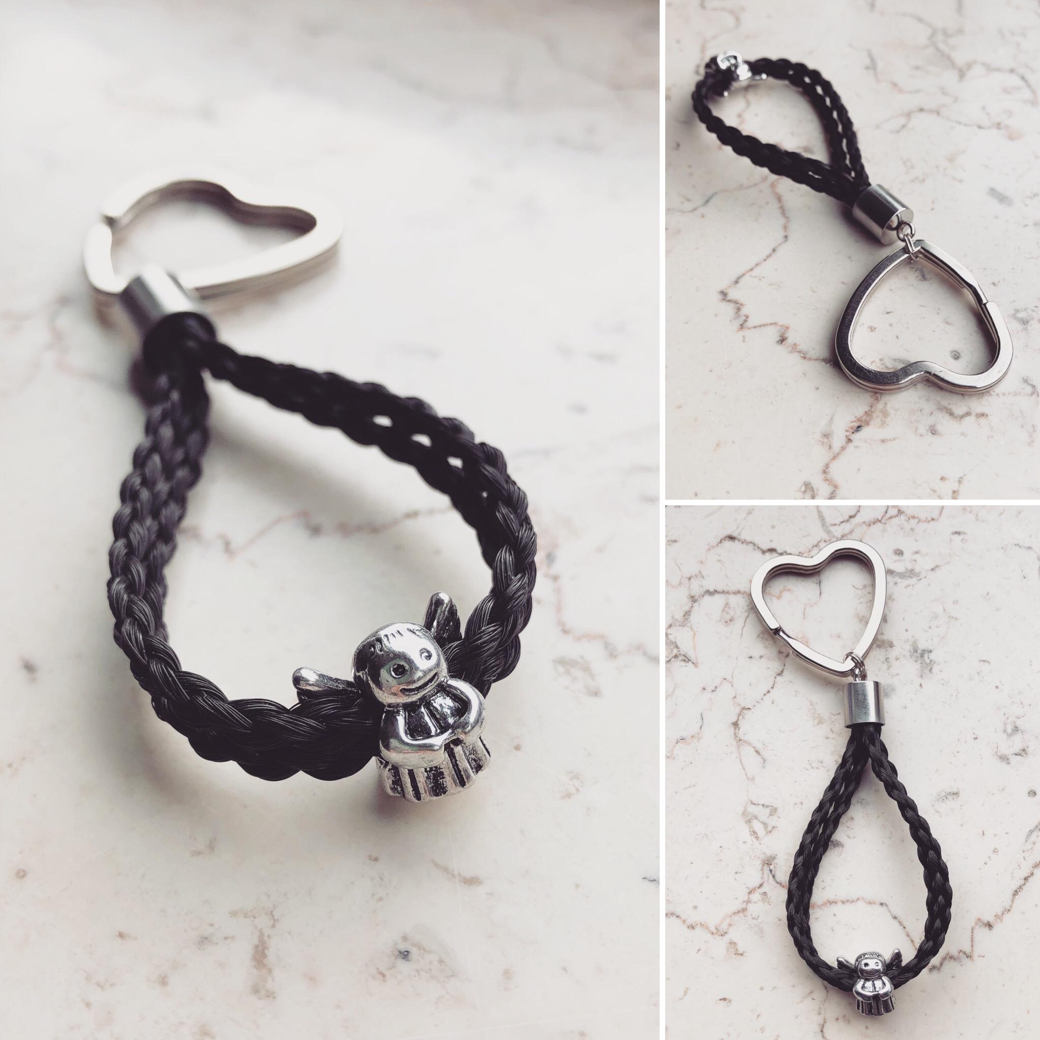 Doppelschlüsselanhänger, 4-fach rund geflochten mit Schutzengel versilbert und Herz Schlüsselring.