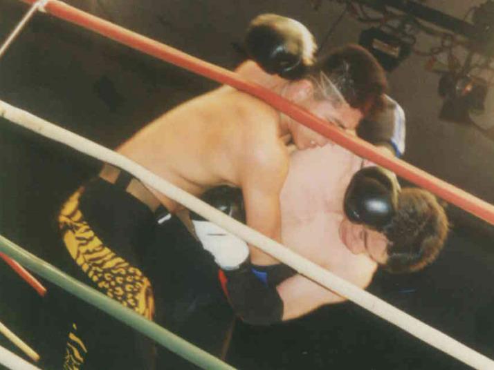 シュートボクシングには投げ技あります。