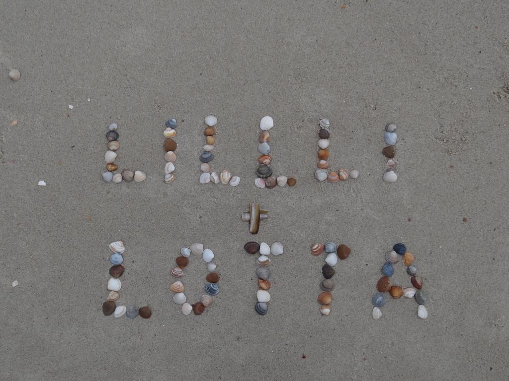 """Outtake ... was müssen am Strand auch so viele """"L's"""" rumliegen  ;-))"""