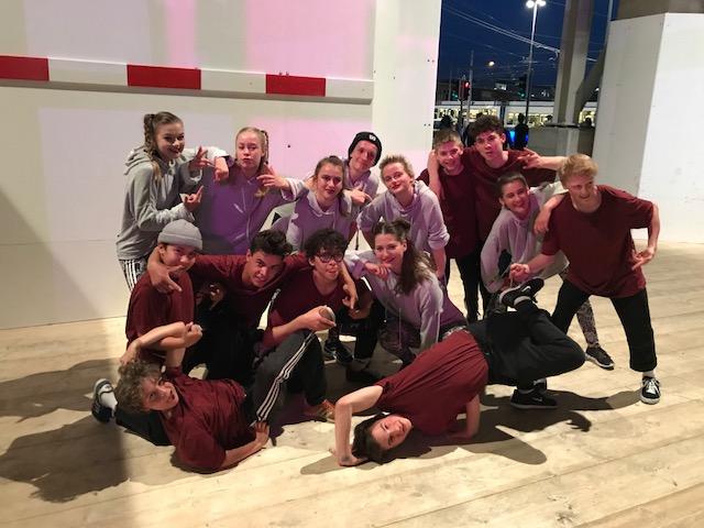 Glücklich nach einem Autritt im Zürich Hauptbahnhof. Züri Tanzt 2018