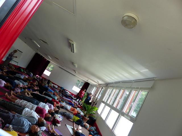 Eliane-Claire Thiercelin trad. Yoga de l'énergie (FNEY) - Salle Vivekananda