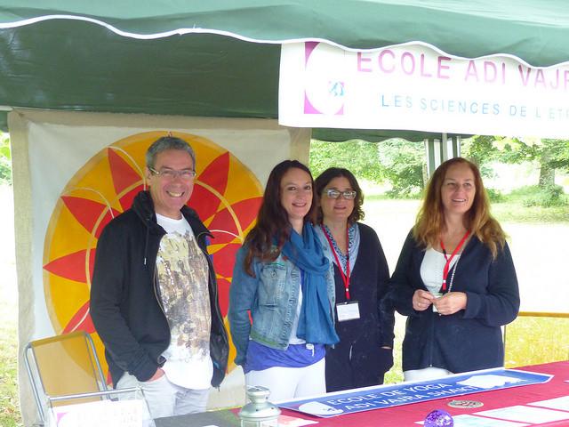 Dominique Lussan (à droite) pour la célébration du solstice d'été