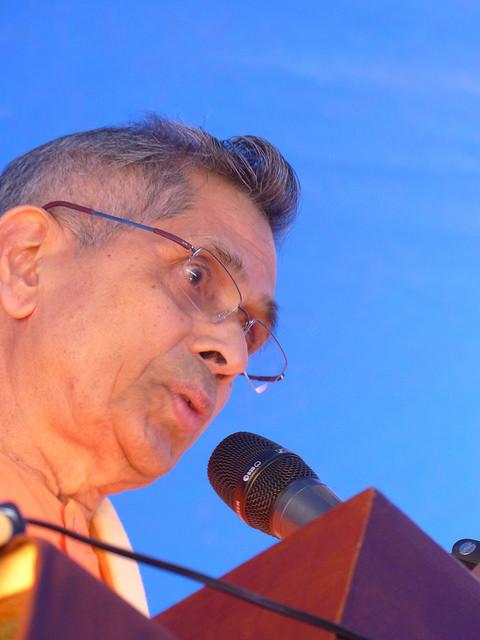 Swami Veetamohananda - Inauguration sous le chapiteau