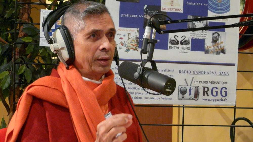 15 mn d'entretien avec Swami Veetamohananda
