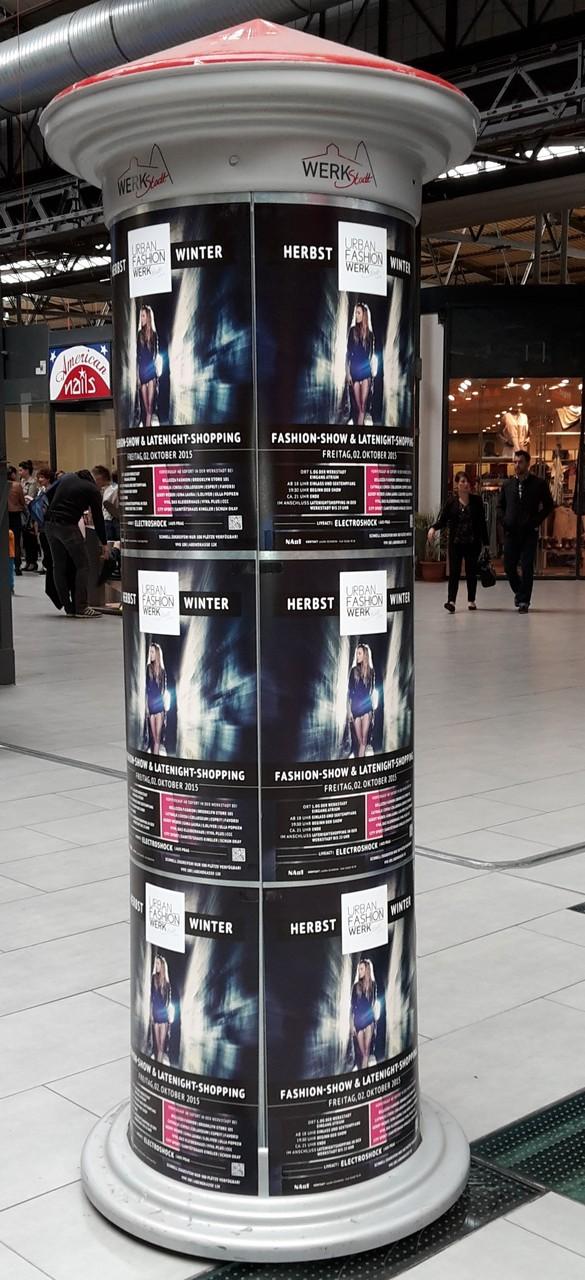 Litfaßsäule L in Einkaufscenter