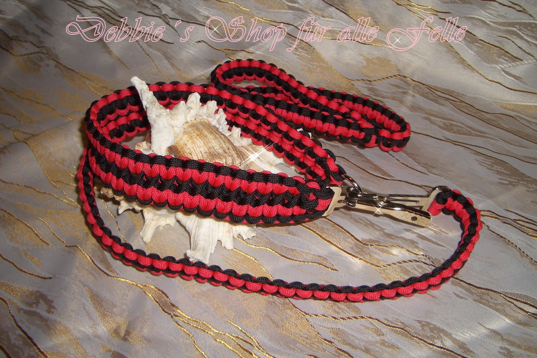Farbe: red * black / Leine: cobra geknüpft