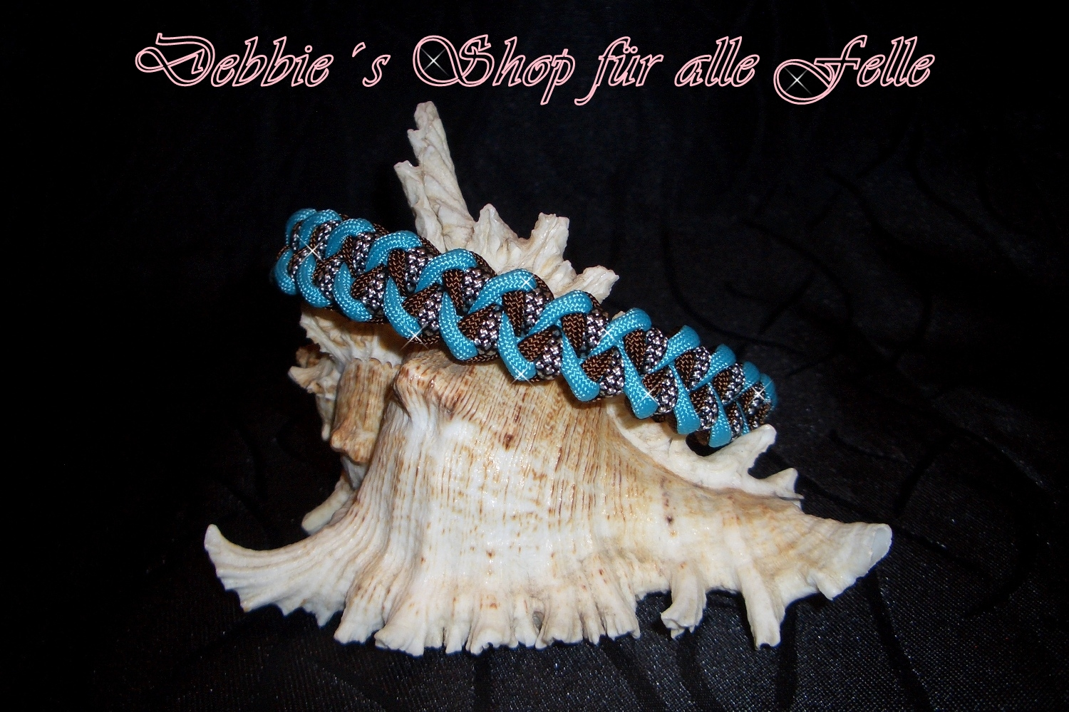 walnut brown / neon turquoise / silver diamonds