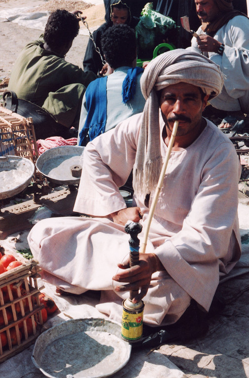 L'homme à la chicha, Vallée des Rois, Egypte 1996