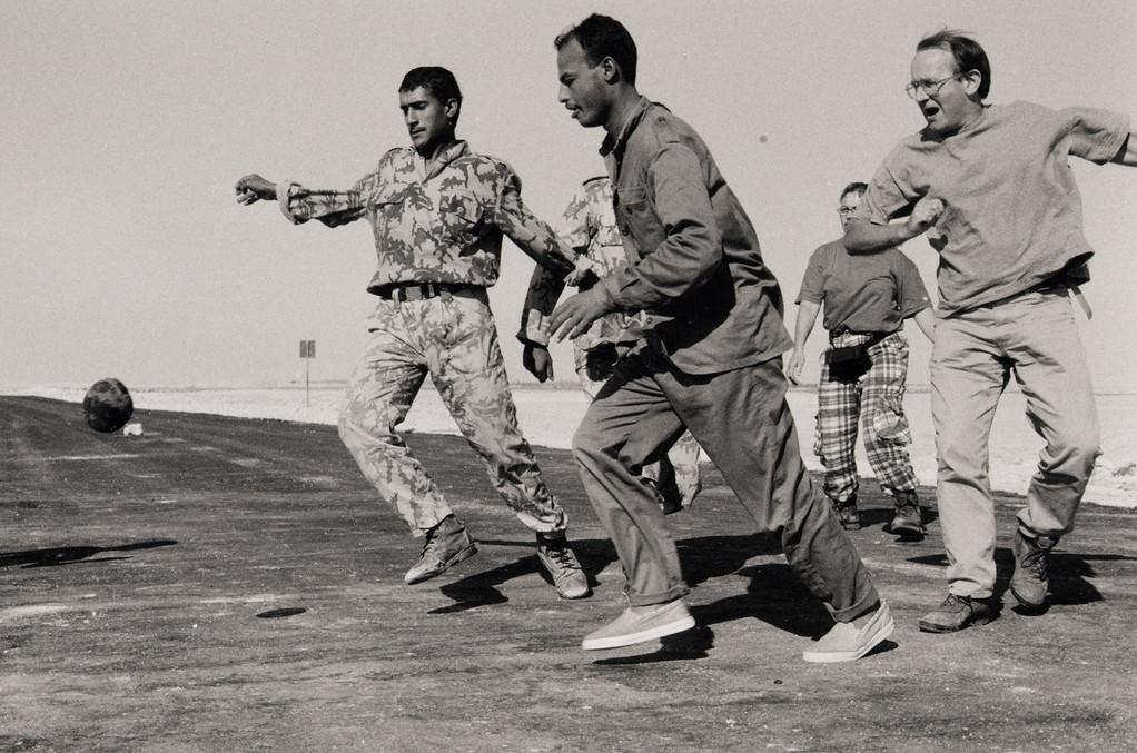 Checkpoint à la sortie de Siwa, Egypte 1996