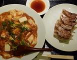 麻婆飯と餃子