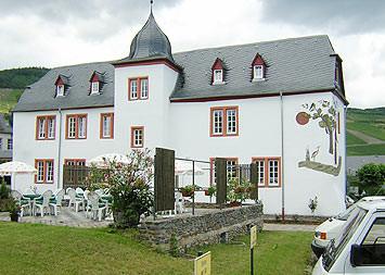 Burggebäude St. Josef