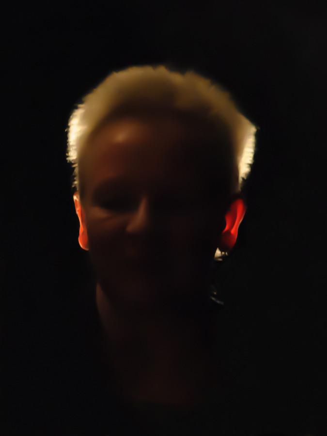 Sigrid Awizio bekommt rote Ohren