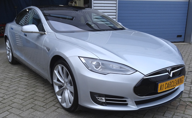 Tesla model S zilver metallic glascoating behandelde lak en velgen | A1 Car Cleaning