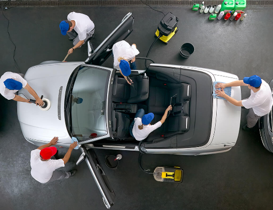 Full detailing @ A1 Car Cleaning is complete interieurreiniging, polijsten lak en aanbrengen glascoating