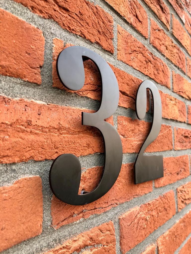 De 4 mooiste RVS huisnummers op een rijtje